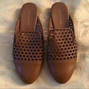 Saks Fifth Avenue honeycomb pattern